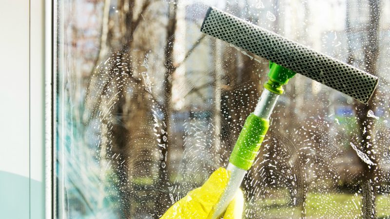 Polering og vinduespudsning til husejere