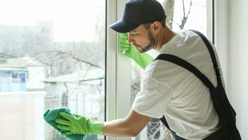 Vi kommer med gode råd til hvor ofte man bør pudse vinduer