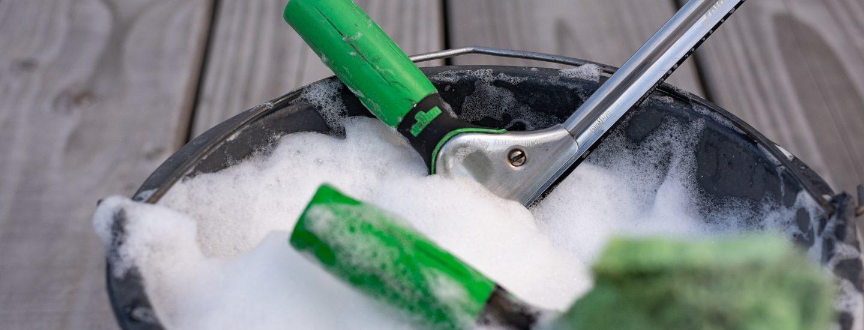 Vi hjælper dig med den rigtige sæbevandsblanding til vinduespudsning